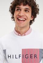 Tommy Hilfiger - Hilfiger logo sweatshirt - white