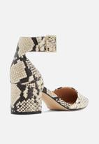 Call It Spring - Agraleria heel - black & white