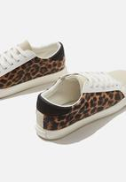 Cotton On - Ally low rise sneaker - brown & cream