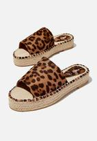 Cotton On - Hayley flatform espadrille sandal - brown
