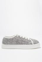 Cotton On - Chelsea creeper plimsoll - grey & white