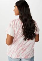 Cotton On - Curve graphic tee Jamieson motors - pink & white