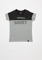 SOVIET - Boys short sleeve fashion tee - grey