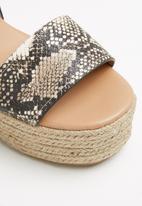 Call It Spring - Siestafiesta wedge heel - black & white