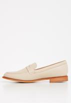 Superbalist - Carry loafer - beige