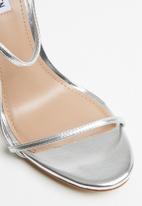 Steve Madden - Oaklyn stiletto heel sandal - silver