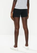 Vero Moda - Hot seven denim fold shorts - black