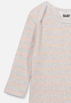 Cotton On - Newborn long sleeve bubbysuit - grey & peach