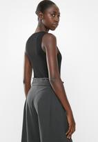 Superbalist - 2 Pack rib neck bodysuit - white & black