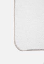 Sixth Floor - Sherpa pet blanket - white
