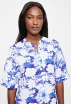 edit - Pleat front shift dress - white & blue