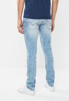 GUESS - Slim fit taper jeans - blue
