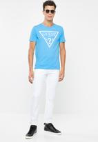 GUESS - Flock logo crew neck tee - blue