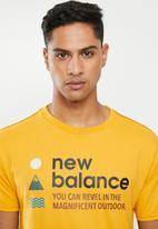 New Balance  - Nb athletics trail tee - yellow