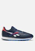 Reebok Classic - Classic Leather - collegiate navy / radiant red / white