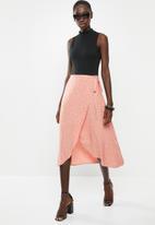 New Look - Ria spot wrap midi skirt - pink