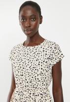 New Look - Animal pleated mini dress - cream