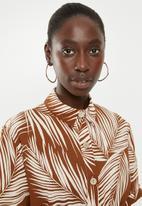 New Look - Kendall palm midi shirt - rust & cream