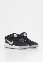 Nike - Team hustle 9 (ps) -black/metallic