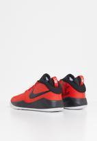 Nike - Team hustle d 9 (gs) - university red/black