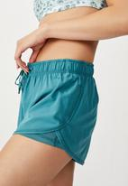 Cotton On - Move jogger short - teal