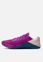 Nike - Metcon 5 - vivid purple & valerian blue