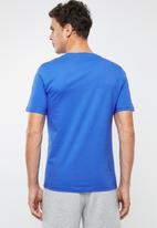 New Balance  - Essentials stacked logo tee - blue