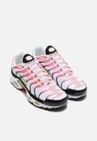 Nike - Air Max Plus - white/laser crimson-lemon venom-black