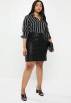 New Look - Curves seam pu mini dress - black