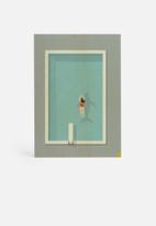 Amalia Restrepo - Pool