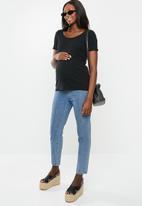 Cotton On - Maternity lettuce edge scoop short sleeve top - black