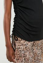 Cotton On - Maternity side tie short sleeve top - black