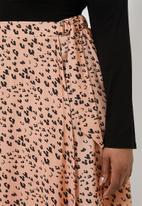 Superbalist - D-ring wrap skirt - peach & black