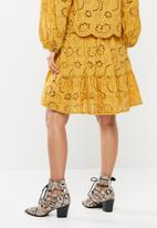Me&B - Anglaise and trilobal skirt - yellow