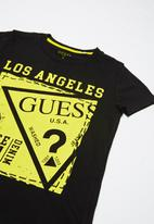GUESS - Teens short sleeve Guess stamp tee - black & yellow