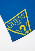 GUESS - Short sleeve Guess triangle polo - blue & yellow