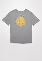Free by Cotton On - Oversized tee - grey