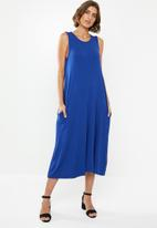 edit - Sleeveless swing midi dress - blue