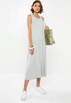 edit - Sleeveless swing midi dress - grey
