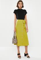 edit - Button down linen skirt - lime green
