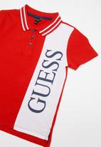 GUESS - Short sleeve vertical Guess polo - red