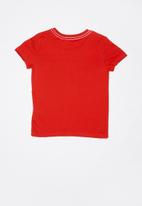 GUESS - Short sleeve Guess printed raw edge tee - red