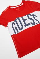 GUESS - Teens short sleeve Guess printed raw edge tee - red