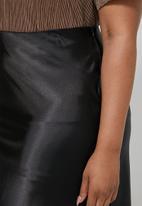 Superbalist - Bias cut slip skirt - black