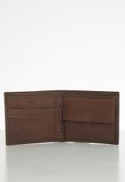 GUESS - Gandy global wallet wallet - brown