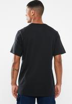 Nike - Nike sportswear heritage tee - black