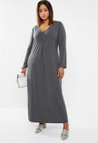 edit Plus - Inverted pleat maxi dress - charcoal
