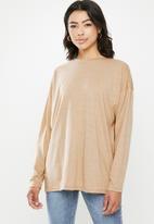 Missguided - Long sleeve drop shoulder T-shirt - beige
