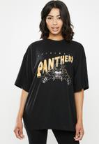 Missguided - Drop shoulder oversized panthers graphic T-shirt - black