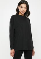 Missguided - Long sleeve drop shoulder T-shirt - black